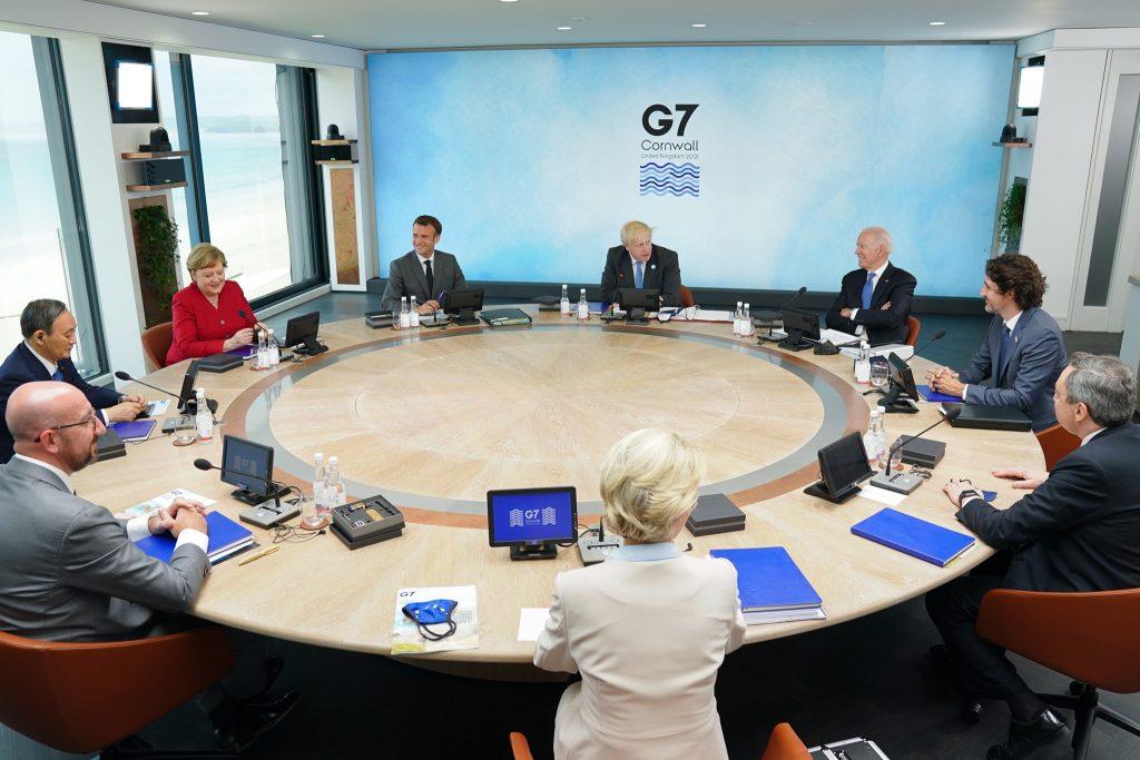 Líderes de G7 2021 en mesa redonda