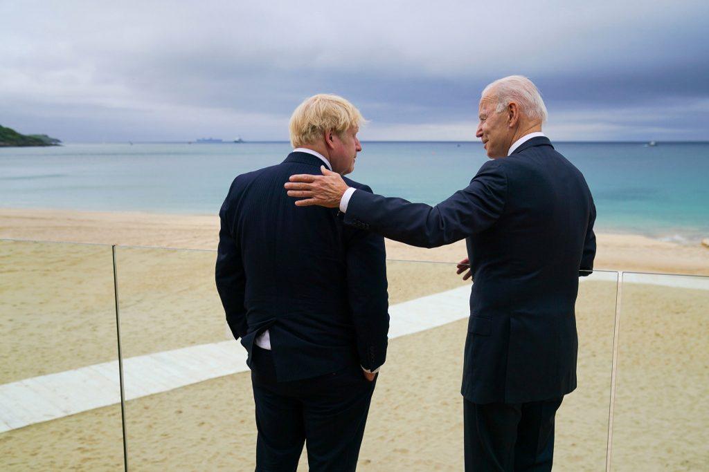 Joe Biden y Boris Johnson en G7 de 2021